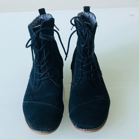 2b8374abf93 Rare TOMS Tomboy Lace Up Boot Suede Size 9.5. M 5b746195d6716aca498d0a8e